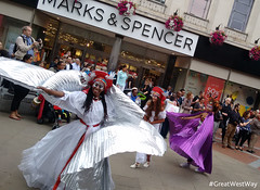 #GWW Carnival of the World, Reading (credit GreatWestWay.co.uk) (visitwiltshire1) Tags: reading greatwestway berkshire river thames festival event carnival