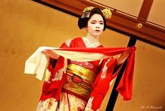 Maiko Mamatema (arrif-mehdi) Tags: maiko mametama meh photographie geisha japon japan asie asia asian japonaise jeune fille make tradition up kimono color shox art colors de vivre represetation theatre gion kyoto kyotoites danse danseuse nippon