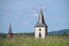 Les deux clochers (Croc'odile67) Tags: nikon d3300 sigma contemporary 18200dcoshsmc paysage landscape clocher église ciel cloud sky nuage