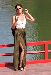 La dama del lago (carlos_ar2000) Tags: retrato portrait chica girl mujer woman bella beauty sexy calle street puente bridge lago lake linda pretty gorgeous palermo buenosaires argentina