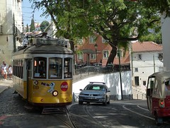 Carris 563 (Elad283) Tags: lisbon portugal lisboa alfama remodelado carris tram lisbontram elétricosdelisboa elétricos tram28 eletrico