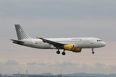 Vueling Airbus A320-216 EC-KLT at Liverpool EGGP 07/05/19 (IOM Aviation Photography) Tags: vueling airbus a320216 ecklt liverpool eggp 070519