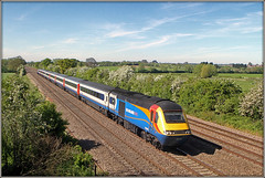 43043, Cossington (Jason 87030) Tags: class43 43043 43060 powercar train notts leicestershire eastmidlands lineside sunny sky skies red white blue ellow stagecoach highspeedtrain hst 125 2019 may shot wayhome emt 1b58 brige tracks location