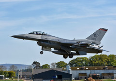 USAF Viper (np1991) Tags: royal air force raf lossiemouth lossie moray scotland united kingdom uk nikon digital slr dslr d7200 camera nikor 70200mm 70200 70 200 vibration vr f28 lens aviation planes aircraft states america usa us american usaf europe usafe spang spangdahlem germany afb base lockheed f16cj f16 f16c 480th fighter squadron warhawks 52nd wing fw group fg 40th flight test sqn flts eglin aqm37d aqm37 jayhawk supersonic drone