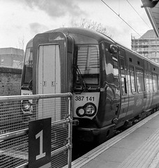 387141 at Reading bound for Newbury.     Mamiya C220.   #mamiya #mamiyac220 #britishrail #gwr #class387 #electricmultipleunit #gwml #greatwesternrailway #railwayphotography #filmphotography  #tlr #120 #mediumformat #kodaktrix400 #trix #kodaktrix (tsummers471) Tags: mamiya mamiyac220 britishrail gwr class387 electricmultipleunit gwml greatwesternrailway railwayphotography filmphotography tlr 120 mediumformat kodaktrix400 trix kodaktrix