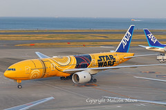 B777-281ER JA743A ANA Star Wars colours (shanairpic) Tags: jetairliner passengerjet tokyo haneda ana specialcolours starwars b777 boeing777 ja743a