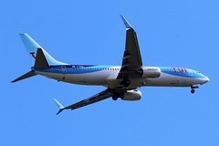 G-FDZD TUI BOEING 737 FROM FRONT GARDEN (toowoomba surfer) Tags: b737 jet aeroplane aviation aircraft airline airliner ncl