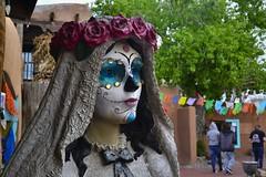 Día de Muertos (Solista*) Tags: albuquerque southwest usa travel podróż muertos śmierć newmexico nowymeksyk mexico colour colourfull kolor kolorowy culture kultura sculpture rzeźba wedding
