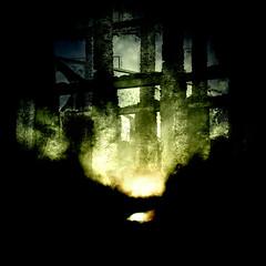 Fire (Francisco (PortoPortugal)) Tags: 0912019 20160311fpbo2719ll urbex urbanexploration ruinas ruins quadrada square fogo fire portugal