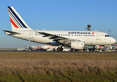 F-GUGM, Airbus A318-111, c/n 2750, Air France, CDG/LFPG 2019-02-17, taxiway Alpha-Loop. (alaindurandpatrick) Tags: airliners airbus airbusa318 airbusa318100 a318 a318100 nanobus jetliners af afr airfrance airlines cdg lfpg parisroissycdg airports aviationphotography fgugm cn2750