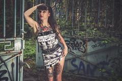 Christel (www.michelconrad.fr) Tags: bleu rouge vert canon eos6d eos 6d ef24105mmf4lisusm 24105mm 24105 femme modele portrait jupe minijupe urbex rose tatouage grafiti portail verdure