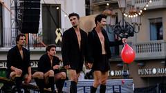 El Trapezi | 2019 (Ariadna Escoda) Tags: albasarraute baixcamp catalonia catalunya circ circonautas duo2filles firatrapezi firadelcirc firadelcircdecatalunya firadelcircdecatalunya2019 iaragueller lafemfatale lecontrebande letiifer mercadal reus reuscultura tgn tarragona trapezi trapezi2019 trapezireus acrobat acrobats art artist artists cabaret circo circus clown cordafluixa cultura culture malabaristes malabars pallassos trapezistes plaçadelmercadal jimmygonzález discípulosdemorales artsescèniques acròbates aimémorales campdetarragona