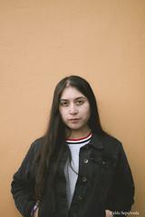 IMG_8049 (Pablo_sc) Tags: 50mm canon orange wall canon1300d canont6 portrait retrato girl