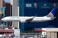 United Airlines | Boeing 737-900ER | N68821 | Las Vegas McCarran (Dennis HKG) Tags: aircraft airplane airport plane planespotting staralliance canon 7d 100400 lasvegas mccarran klas las united unitedairlines ual ua usa boeing 737 737900 boeing737 737900er boeing737900er n68821