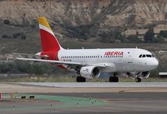 EC-KUB (moloneytomEIDW) Tags: mad madridairport iberia eckub airbus a319
