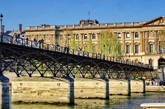 496 Paris en Mars 2019 - le Pont des Arts (paspog) Tags: paris seine pont bridge brücke pontdesarts france mars march märz 2019