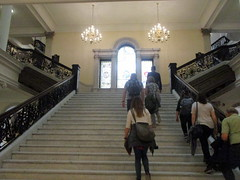 Grand Staircase (Autistic Reality) Tags: inside interior indoors window staircase main mainstaircase staircasewindow mainstaircasewindow statehouse state house statecapitol massachusettsstatehouse suffolkcounty ma massachusetts commonwealthofmassachusetts unitedstates unitedstatesofamerica usa us america newengland history historiclandmark americana landmark government offices governmentoffices stategovernment architecture building structure grand grandstaircase boston cityofboston freedom trail freedomtrail 2019