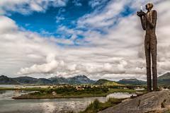 Mannen fra Havet (Friedels Foto Freuden) Tags: vesterålen canon d70 skulptur himmel sky wolken clouds norwegen felsen inseln