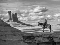 Monument Valley (Eric Zumstein) Tags: monumentvalley navajo horse sky