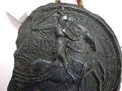 1430 - 'seal of Philip the Good, duke of Burgundy', Stadsarchief, Leuven, province of Flemish Brabant, Belgium (roelipilami (Roel Renmans)) Tags: 1430 seal sceau zegel siegel philip philippe filips de goede le bon good gute burgund bourgogne bourgondië burgundy duke duc herzog hertog brabant borgoña felipe sella leuven louvain stadsarchief city archives ville knight armure amour armor rüstung fleur lys crest surcoat caparison charter blijde intrede inkomst joyous entry entrée joyeuse radosny wjazd pieczęć surcotte waffenrock horse kropierz caparaçon dekkleed helm bascinet grand great mail hauberk mailles poke sleeves