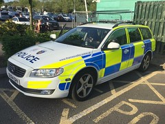 6372 - TVP - OU64 BHV - 32104910 (2) (Call the Cops 999) Tags: uk gb united kingdom great britain england 999 112 emergency service services vehicle vehicles 101 police policing constabulary law and order enforcement
