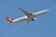 'TK9VR' (TK1986) LHR-IST (A380spotter) Tags: takeoff departure climb climbout belly airbus a330 300 tcjoe diyarbakir turkishairlines türkhavayollarıao thy tk tk9vr tk1986 lhrist runway09r 09r london heathrow egll lhr