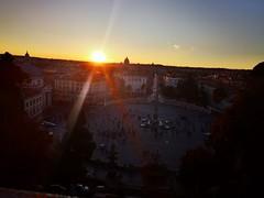 C'è nel giorno un'ora serena che si potrebbe definire assenza di rumore , é l'ora serena del crepuscolo. Tutto é imperfetto , non c'è tramonto così bello da non poterlo essere di più (Nabel Grant) Tags: sunrise photooftheday travelphotography roma canon 55mm