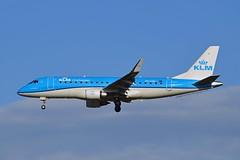 "KLM Cityhopper PH-EXH Embraer ERJ-175STD (ERJ-170-200) cn/17000564 ""EXH-564"" @ Buitenveldertbaan EHAM / AMS 05-11-2017 (Nabil Molinari Photography) Tags: klm cityhopper phexh embraer erj175std erj170200 cn17000564 exh564 eham ams 05112017 bui buitenveldertbaan"