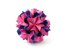 Kusudama (ronatka) Tags: kusudama modularorigami nataliaromanenko rectangle23 rockcrystal variation pink indigo whitebackground ef40mmf28stm