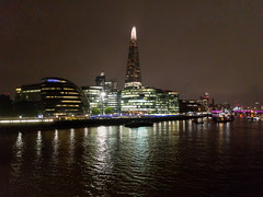 The Shard at night (Mister Electron) Tags: apple appleiphonese england london mobile riverthames thames uk architecture capital city iphonese mobilephone phonecam river urban theshard
