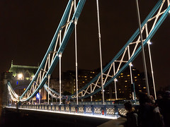 Tower Bridge by night (Mister Electron) Tags: apple appleiphonese england london mobile riverthames thames uk architecture capital city iphonese mobilephone phonecam river urban towerbridge