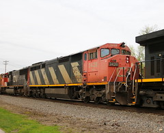 CN 2428, Lake, Neenah, 18 May 19 (kkaf) Tags: neenah lake barn zebra c408m cn
