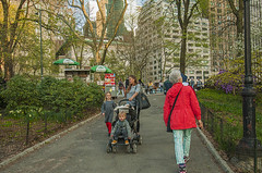 1379_0751FL (davidben33) Tags: spring 2019 new york manhattanstreetphoto street photos architecture people landscape cityscape buildings fashion women girls 718 5thave centralpark monument
