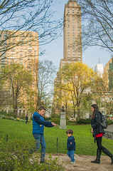 1379_0746FL (davidben33) Tags: spring 2019 new york manhattanstreetphoto street photos architecture people landscape cityscape buildings fashion women girls 718 5thave centralpark monument
