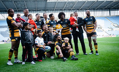 Players and their children (davidhowlett) Tags: ricoharena quins wasps premiership waspsrugby gallagher rugby ricoh rugbyunion coventry harlequins