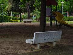 panchina (ilgladiatore83) Tags: panchina parcogiochi alberi