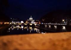 Roma è una città singolare. Disconosce i meriti dei suoi abitanti ed è pronta ad apprezzare virtù che non hanno. (Nabel Grant) Tags: roma night travelphotography canonphotography canon 55mm