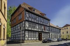 The House At The Corner (dietmar-schwanitz) Tags: göttingenniedersachsenlowersaxonydeutschlndgermanyaltstadtoldtownhaushousealteshausoldhousealteposthaltereialtoldfachwerkhaushalftimberedhousetimberedhousearchitekturarchitekturegebäudebuildingreisetraveltripurlaubvacation 0gedlightroomnikond750nikcollectioncolorefexdietmarschwanitz