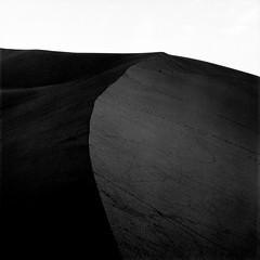 Dawn of the Sahara 2/2 (haribote) Tags: planar tmax landscape 400tmy hasselblad desert 503cw cf80mmf28 kodak