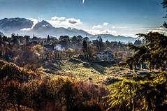 Alrededores de Oviedo (ccc.39) Tags: asturias oviedo aramo atardecer barrio monte casas sunset mountain