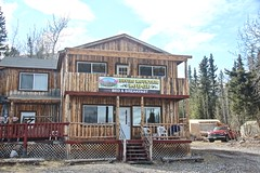 Devil's Mountain Lodge (neukomment) Tags: alaska road nabesnaroad mentastamountains mountains may 2019 spring wiiderness canoneosrebelt5i 18250mmf3563dcosmacrohsm sigmalens