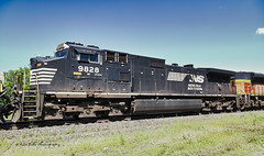 NS D9-40CW (Kool Cats Photography over 12 Million Views) Tags: norfolksouthern canon canonef24105mmf4lis canoneos6d landscape locomotive locomotives oklahoma photography photo skies sky track tracks