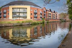 Nottingham Canal, Nottingham (Geraldine Curtis) Tags: nottinghamcanal nottingham warehouses canal reflections redbrick