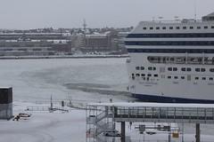 Helsinki view 400 (sohvimus) Tags: helsinki helsingfors talvi hiver vinter suomi finland winter ferry