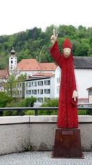EICHSTÄTT - THE RED BISHOP (Maikel L.) Tags: europa europe eichstätt deutschland alemania germany bayern bavaria spitalbrücke bischof bishop netzwerk red rot mahnend mahnung wielandgraf catholic catholicism katholisch kirche religion art kunst arte skulptur sculpture wooden