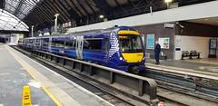 Abellio Scotrail Class 170 170404 arrivng into Glasgow Queen Street Platform 7 with service 2W56 (19-05-19) (Ricardo_Cameron) Tags: trains abellio scotrail class170 1704 170404 bombardier turbostar