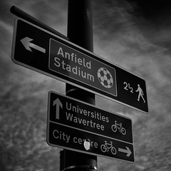 Street (MJ Black) Tags: liverpool liverpoolstreetphotography merseyside northwest north sign signs street streetphotography streetphoto streetphotograph streets streetscene streetsign canon 80d canon80d 24mm canon24mm canon24 f28 pancakelens mono monochrome monochromephotography bw bwphotography blackandwhite blackandwhitephotography