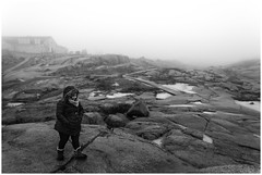 Alone (Esaú Alberto Canto Novelo) Tags: canada erandi faro gente invierno mar paisaje peggyscove viaje windsor winter fog mist lighthouse sea ocean nova scotia blackandwhite bw blancoynegro monocromo monochrome outdoors nature