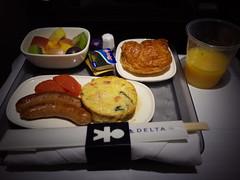 朝食 (breakfast) (Paul_ (shin.ogata)) Tags: カークランド kirkland a350900 seattle narita シアトル 成田 dl166 airlines delta デルタ航空 朝食 breakfast