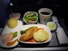 夕食 (Dinner) (Paul_ (shin.ogata)) Tags: カークランド kirkland a350900 seattle narita シアトル 成田 dl166 airlines delta デルタ航空 dinner 夕食